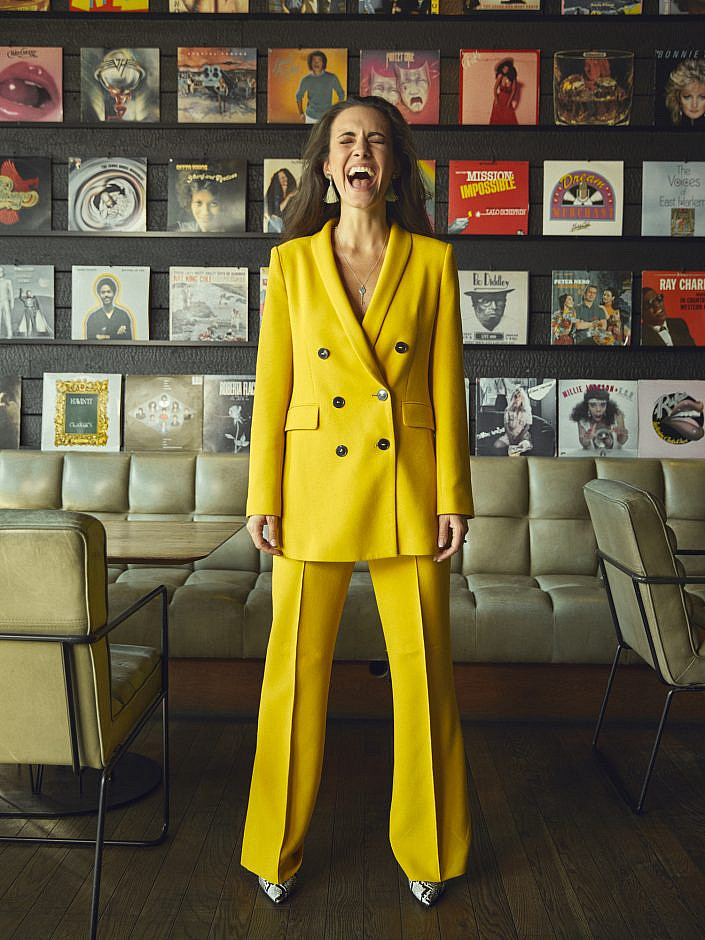 Kimberly Budinsky Influencer Wien Spelunke Zara Gelb Kampagne